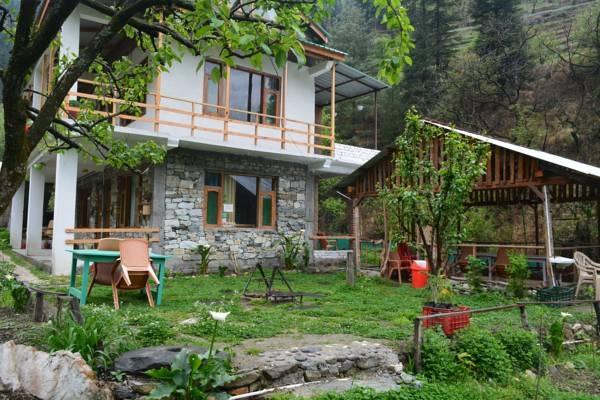 Jibhi Homestead