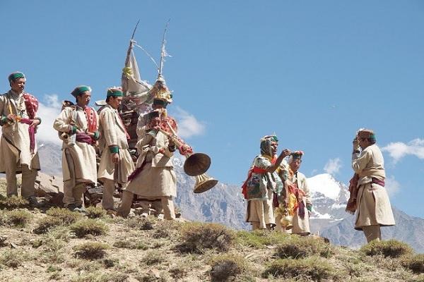 Phulaich main Himachal Pradesh Festivals